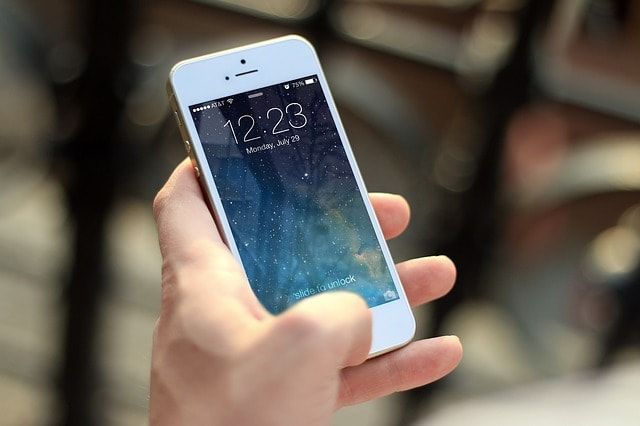 iphone-410324_640-min